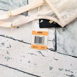 60e611dfa4992 Wacoal Intimates   Sleepwear - Wacoal Marquise Stretch Lace Underwire Bra  Sz 32DD